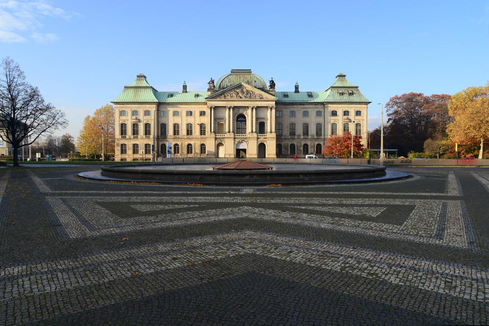 Japanisches-Palais-2